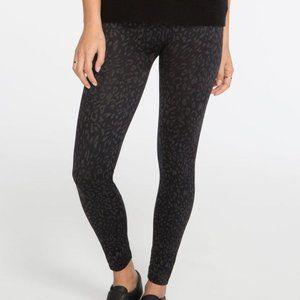 Spanx Leopard Cheetah Print Look At Me Now Seamless High Waist Leggings